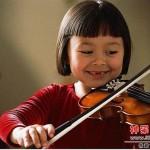 拉小提琴总看左手会成斜视?哪个琴行有小提琴学呢